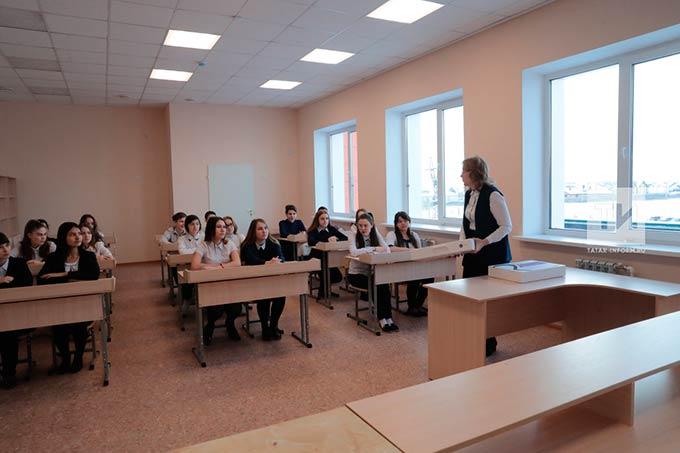 Кандидат в депутаты Альбина Насырова: Учителя и воспитатели нуждаются в защите