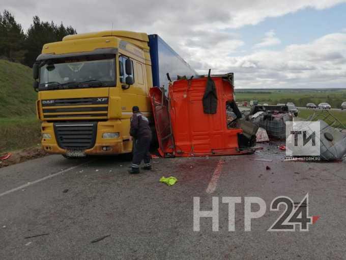 Трасса М-7 в сторону Набережных Челнов перекрыта из-за серьезной аварии