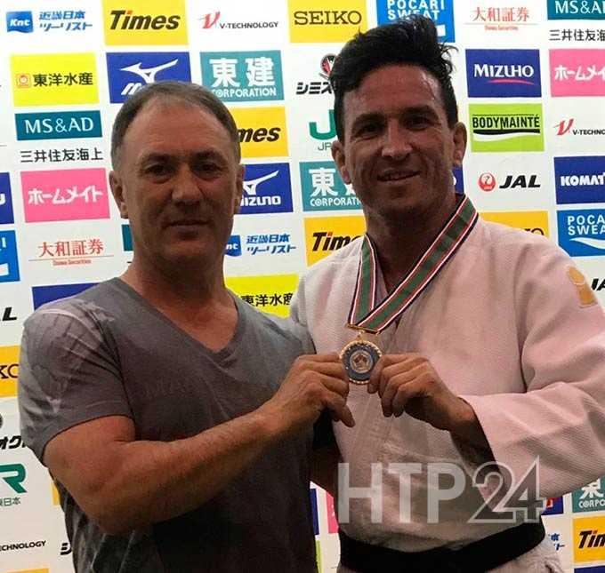 Борец из Нижнекамска вернулся из Японии золотым медалистом