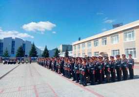 В речном порту Нижнекамска высадился десант кадетов из Перми