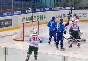 Хоккейные клубы Нижнекамска и Казани произвели обмен
