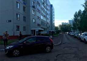 Выбежавший на дорогу ребенок в Нижнекамске попал под колеса автомобиля