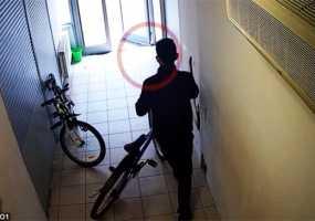 Посетитель торгового центра в Нижнекамске угнал велосипед