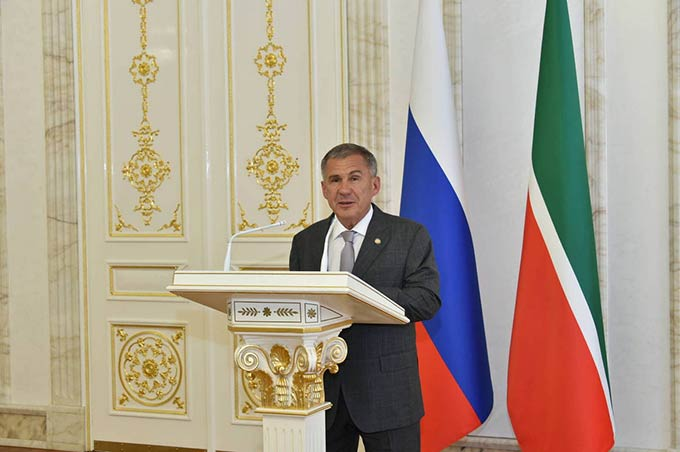 В Татарстане семьи с пятью и более детьми с 2020 года будут получать ежемесячное пособие