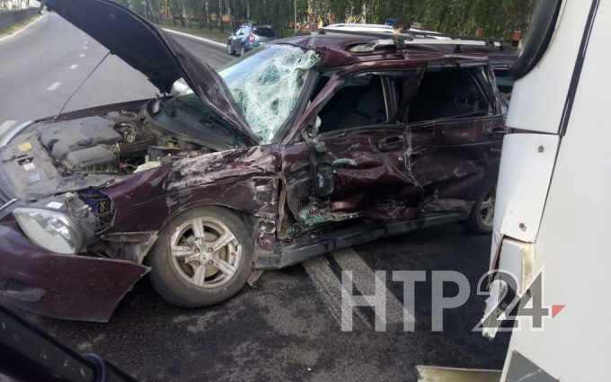 Появилось видео смертельного столкновения автобуса и легковушки в Нижнекамске
