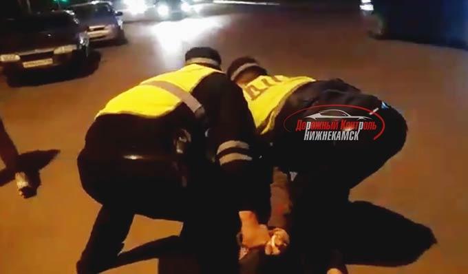 Материалы по конфликту между водителем и инспектором ДПС в Нижнекамске переданы в Следственный комитет