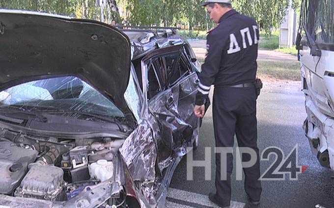 Врачи рассказали о состоянии выживших в серьезном ДТП с легковушкой и автобусом в Нижнекамске
