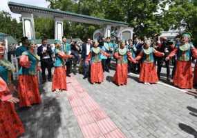 Нижнекамск провел в Новосибирске Федеральный Сабантуй