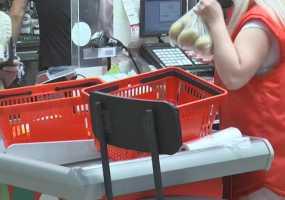 В Нижнекамске женщина убежала с продуктами из «Пятерочки», забыв в магазине ребенка