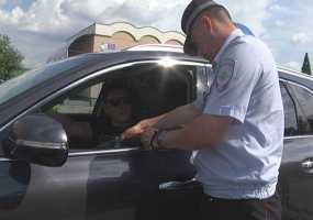 Сотрудники ГИБДД Нижнекамска напомнили, что владельцы тонированных машин могут получить 15 суток ареста