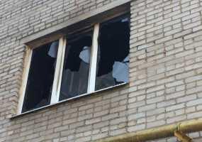 В Нижнекамске пожарные вывели из горящей квартиры пожилую женщину