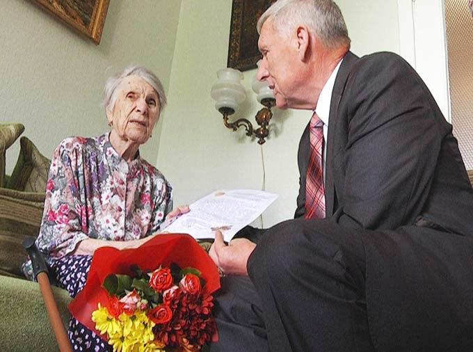 Ветерана войны Елену Хорькову, проживающую в Нижнекамске, с 95-летием поздравил Путин