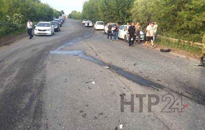 """На """"убитой"""" дороге около Нижнекамска произошло ДТП с несколькими пострадавшими"""