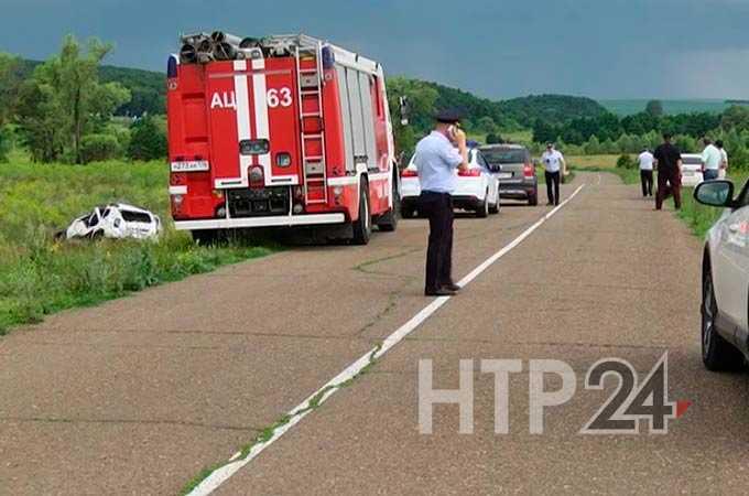 17-летний подросток получил перелом позвоночника в ДТП около Нижнекамска, водитель погиб