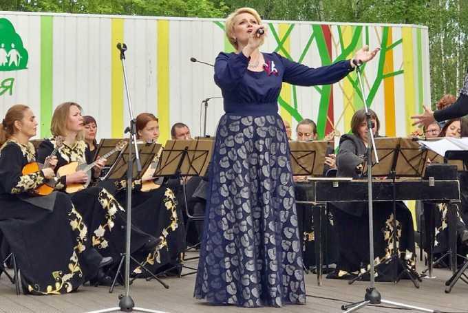 Певица из Нижнекамска удостоена почетного звания