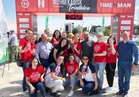 Тимур Бекмамбетов с супругой посетили соревнования по триатлону в Нижнекамске