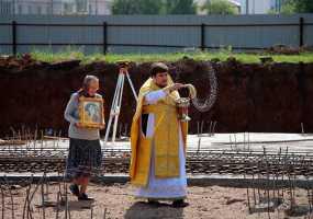 В Нижнекамске освятили фундамент под новый православный храм