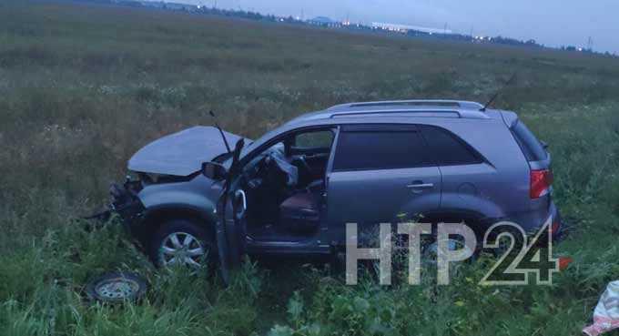 В Нижнекамском районе при лобовом столкновении пострадали 3 человека, включая беременную пассажирку