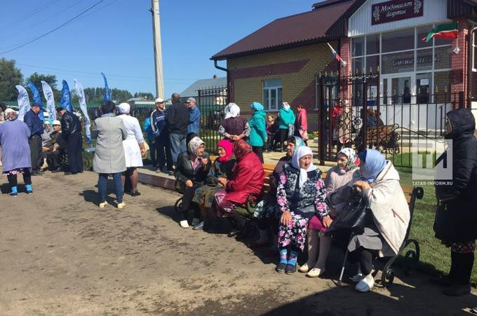 Минниханов: С мобильными поликлиниками в села Татарстана мы привозим лучших специалистов Казани