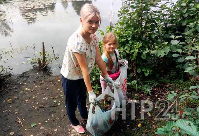 В Нижнекамске дети-активисты вышли на уборку одного из пригородных озер