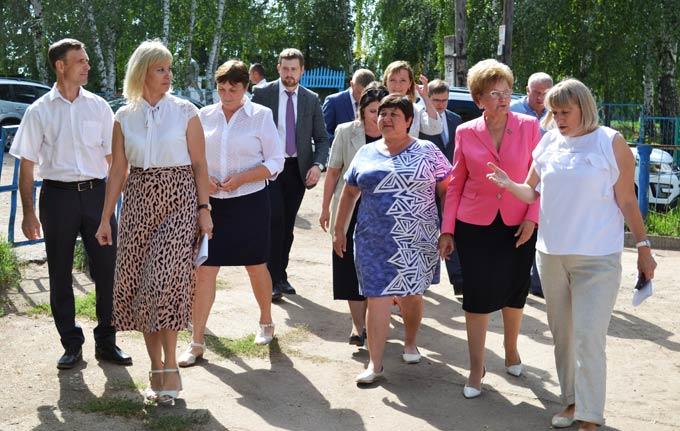 Рабочая группа «Единой России» по контролю реализации нацпроектов проверила объекты в Чистопольском районе
