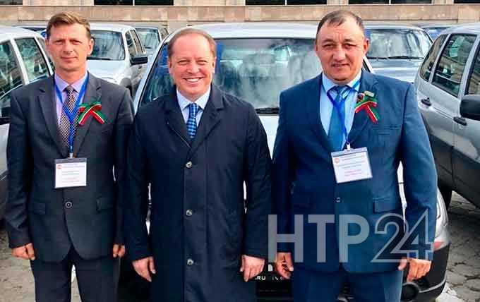 Нижнекамский район получил сразу три новых служебных автомобиля