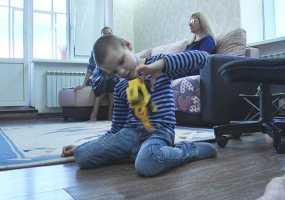 Телеканал НТР 24 помогает собрать в школу 8-летнего Богдана, страдающего ДЦП