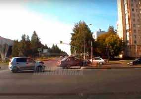 Момент ДТП на перекрестке в Нижнекамске снял видеорегистратор
