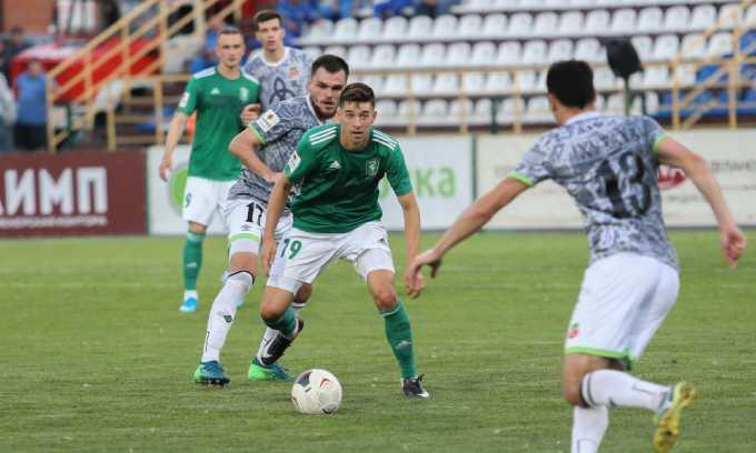 ФК «Нефтехимик» из Нижнекамска одержал третью победу в выездном матче сезона