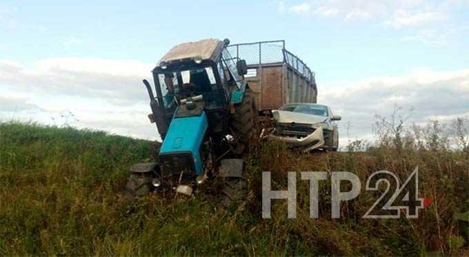 В Нижнекамском районе невнимательность тракториста привела к ДТП
