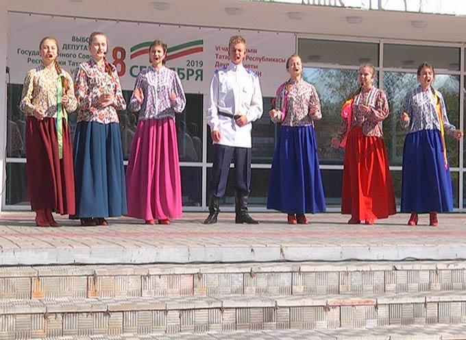 Министр промышленности и торговли РТ проголосовал на выборах депутатов Госсовета республики в Нижнекамске