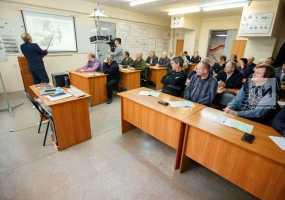 Электромонтер, кондитер и охранник: какие программы по переобучению граждан действуют в Татарстане