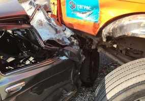 В Нижнекамске водитель «КамАЗа» пострадал при столкновении с «Нивой»