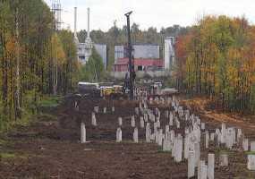 Горожане обеспокоены массовой вырубкой деревьев в промзоне Нижнекамска