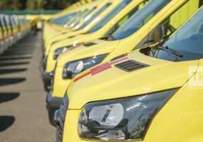 Рустам Минниханов вручил районам Татарстана 70 новых машин скорой помощи