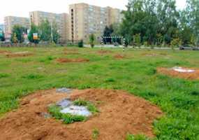 Дело дошло до суда: в Нижнекамске борьба за футбольное поле между жителями дома на ул.Сююмбике и бизнесменом продолжается