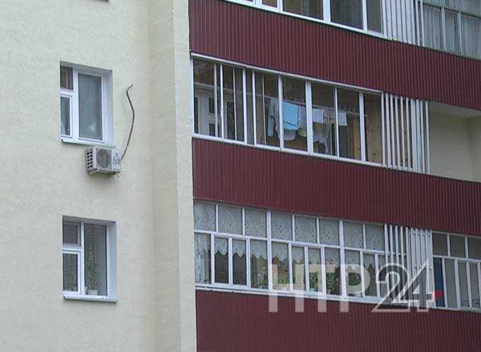 В России официально запретили курить на балконах с 1 октября