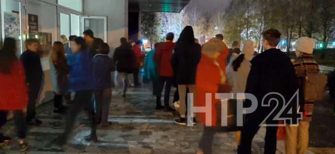 В Нижнекамске из-за угрозы жизни в экстренном порядке эвакуированы педагоги и учителя музыкального колледжа
