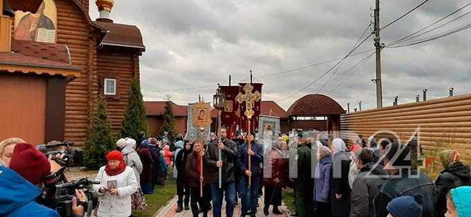 С верой в сердцах: В Нижнекамске прошел Крестный ход протяженностью 12 километров