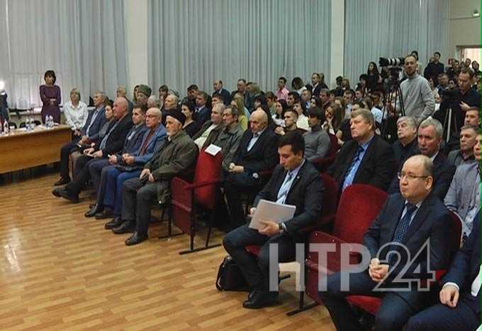 Повысить зарплату и кратно сократить выбросы: как в Нижнекамске получали согласие «народа» на строительство нового завода