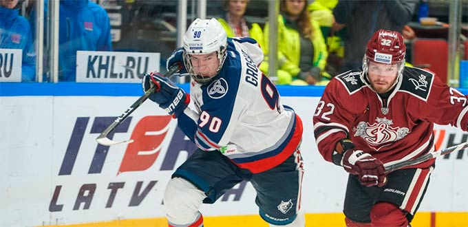 Хоккеист из Нижнекамска включен в состав молодежной сборной России