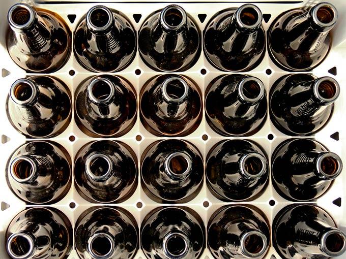Назад в СССР: в российских магазинах начнут принимать стеклянные бутылки