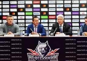 В хоккейном клубе «Нефтехимик» сменился директор