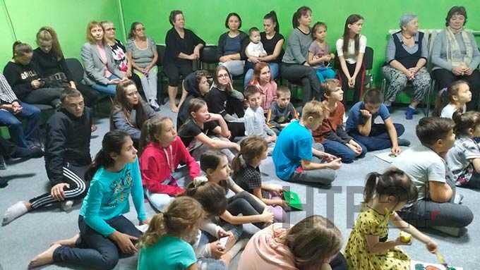В Нижнекамске семейный фестиваль посвятили Году театра