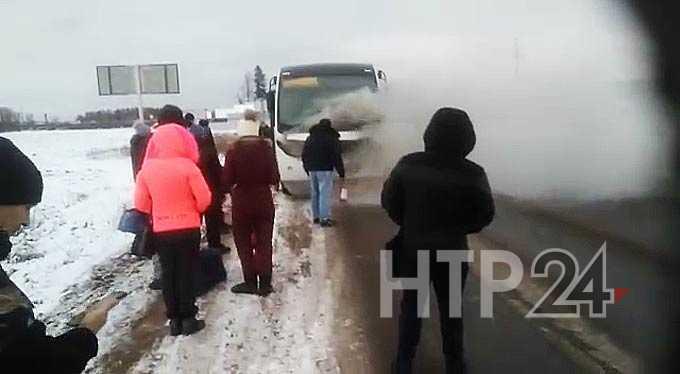 В Татарстане загорелся пассажирский автобус, ехавший по маршруту Агрыз - Челны