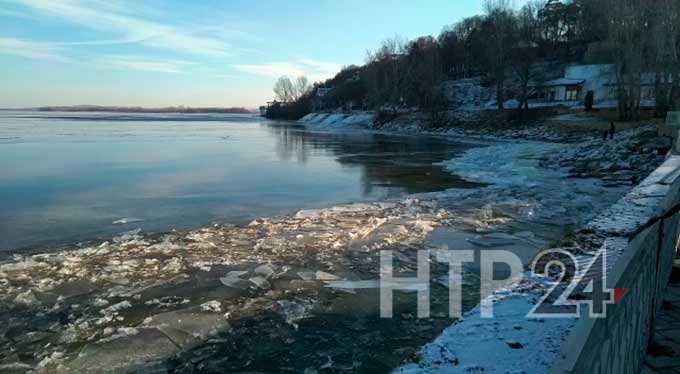 На реке Кама в Нижнекамске наблюдается необычное явление