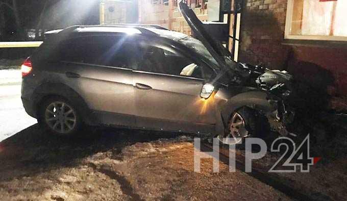 В Нижнекамске 18-летний водитель врезался в КПП и впал в кому