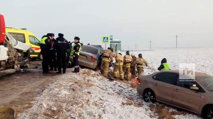 Стали известны подробности смертельного ДТП с участием автобуса, произошедшего в Татарстане