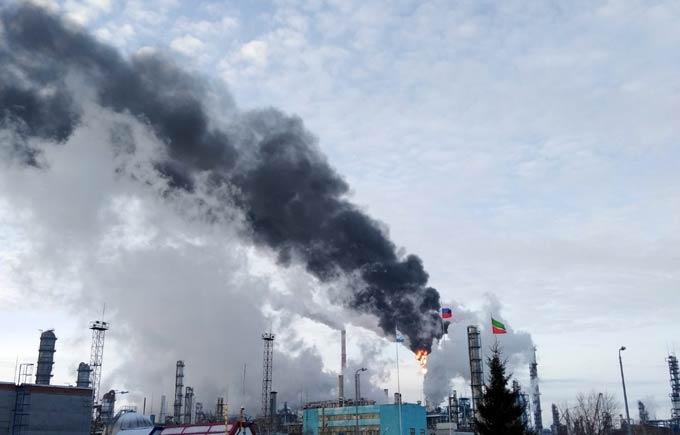 «Нефтехимики» объяснили появление столба черного дыма, насторожившего нижнекамцев