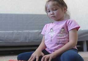 Страдающей спинальной мышечной атрофией татарстанке нужны средства на спецоборудование